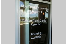 - Image360-bocaraton-window-lettering-dentist-insurance